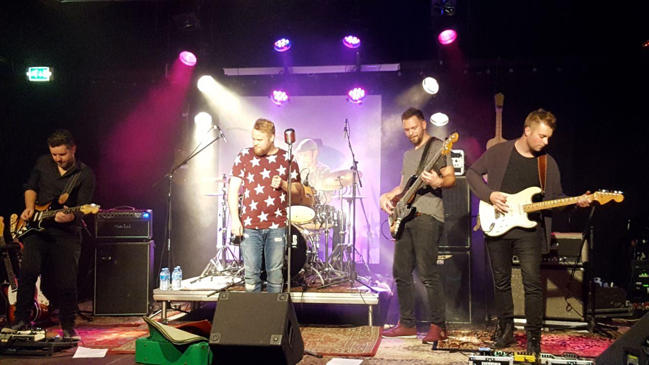 Live optreden Easterfield gaat niet door !!