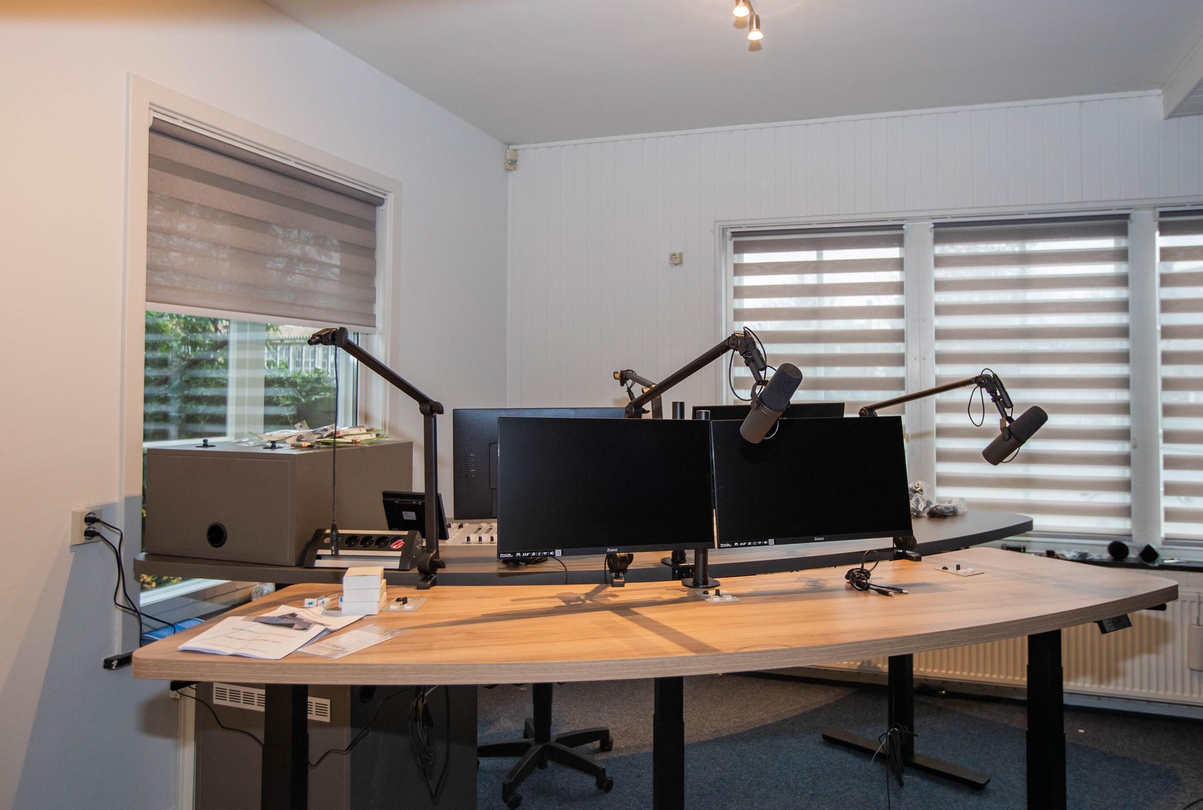 Oudejaarsshow bij Radio Hoogeveen